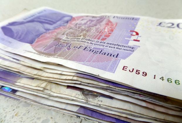 1750 паунда плаща за COVID-мерки всеки влязъл във Великобритания