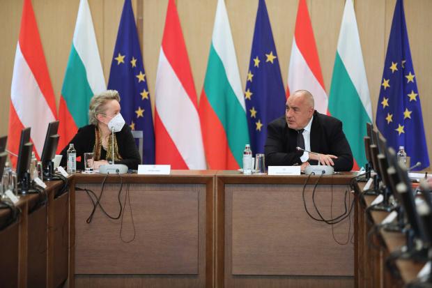 Борисов пред австрийски фирми: Управляваме пандемията най-добре в ЕС, предприятията работят