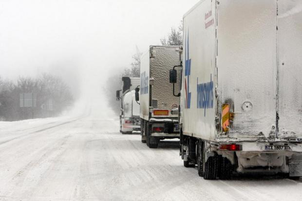 """Десетки тежкотоварни камиони са блокирани преди граничния пункт """"Кулата"""", след"""