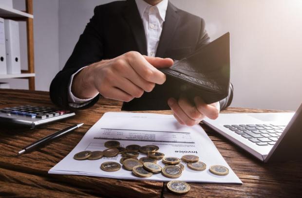Колекторски фирми финтират длъжници, така че да избегнат закона за край на вечния длъжник