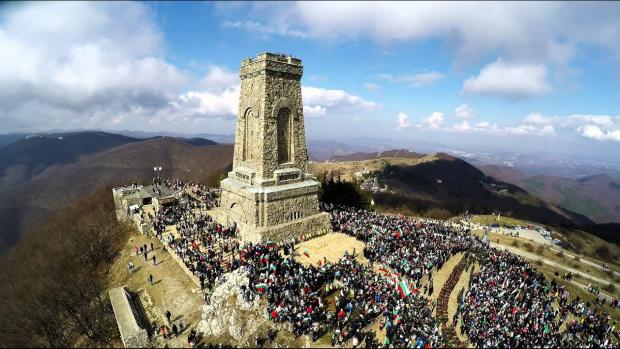 Община Габрово отменя създадената организация за църковно-военен ритуал на връх