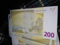 Намериха милиони фалшиви долари и евро в София