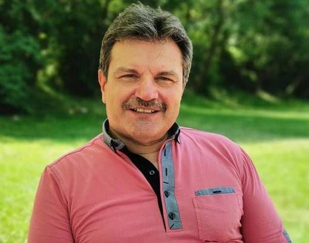 Пулмологът д-р Александър Симидчиев ще е кандидат-депутат от Демократична България.