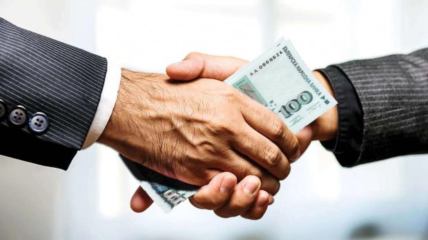 Все по-увереносе приближаваме към вдигането на мораториума на банките към