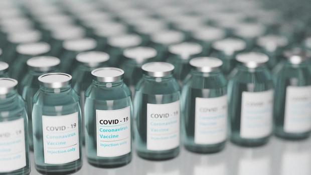 Властите в Китай доставят безвъзмездно ваксини срещу коронавирус в 69