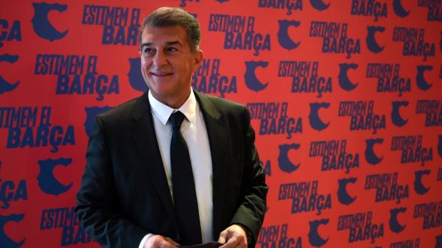 Жоан Лапорта е избран за президент на Барселона, той ще вади горещите кестени