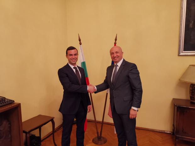 Активизираме и насърчаваме бизнес отношенията със Сърбия след ключова среща