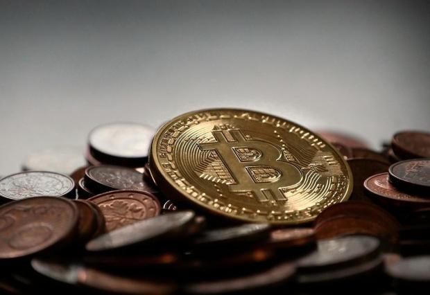 Криптовалутата биткойн вдигна стойността си за първи път в историята