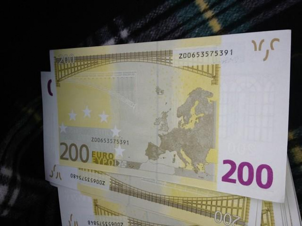 Софийската градска прокуратура и МВР разкриха голямо количество фалшиви долари