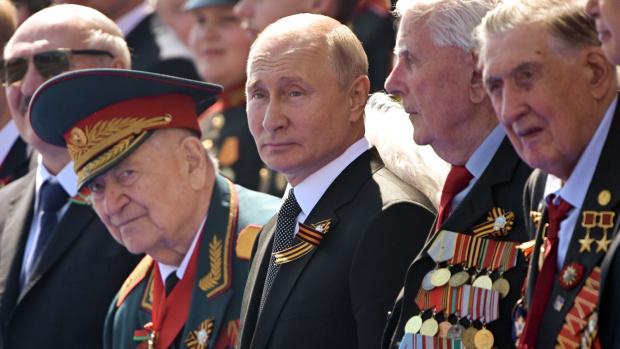 Официално! Промениха Конституцията на Русия, така че Владимир Путин да може пак да е президент