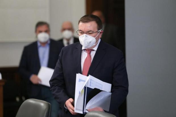 Костадин Ангелов обеща да удари по връзкарите, които си слагат марка ваксина по желание