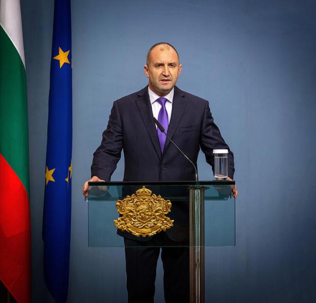 Държавният глава Румен Радев поздрави своята гръцка колега президентаЕкатерини Сакеларопулу