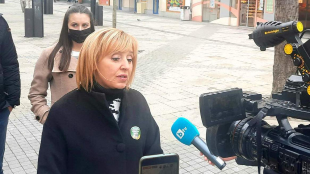 Манолова: Радев да свика КСНС заради хаоса в изборите