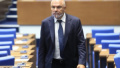 Марешки: Оставам антисистемен политик