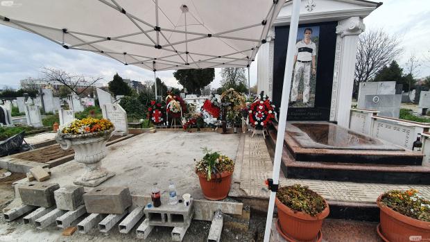 Пищната гробница на самопровъзгласилия се за ромски цар Кирил Рашков-Цар