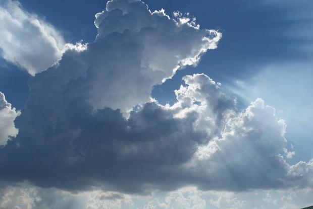 Времето се разваля, от запад идват облаци и дъжд