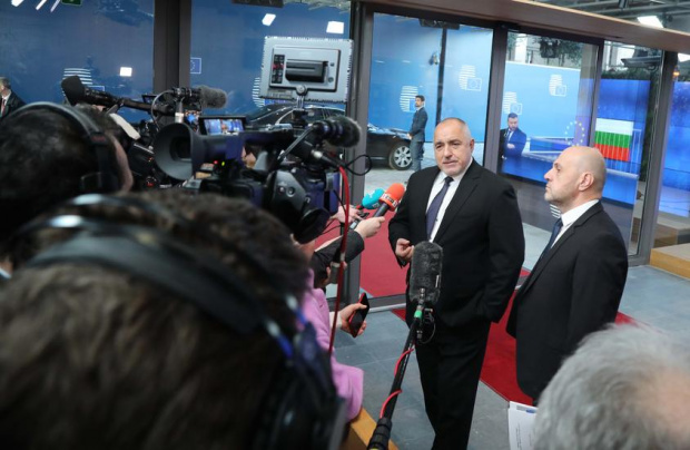 Дончев вместо Борисов на изслушването в парламента