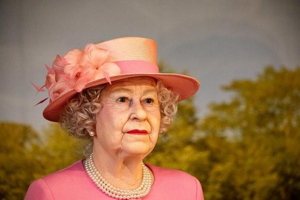 Най-самотният рожден ден: Елизабет II навършва 95 години -  без празненство