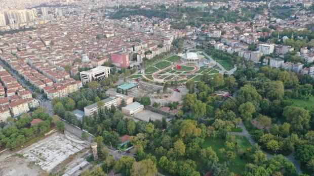 Ревнив турчин екзекутира 35-годишна българка насред улица в Бурса