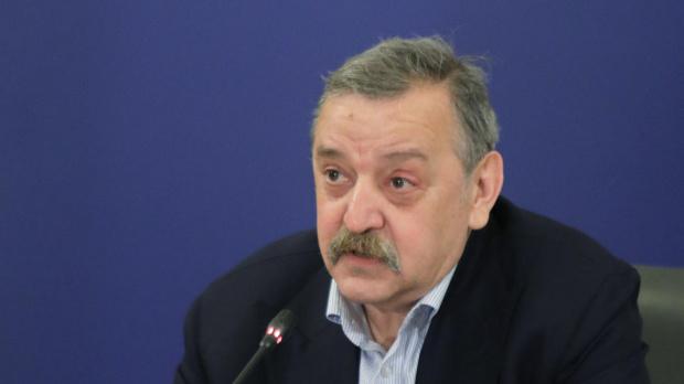 Кантарджиев: Наесен коронавирусът ще го има само в отделни семейства или места