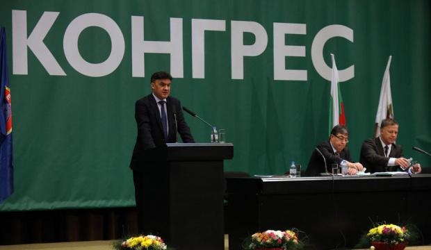 Изненада: Боби Михайлова оттегли оставката си като президент на БФС