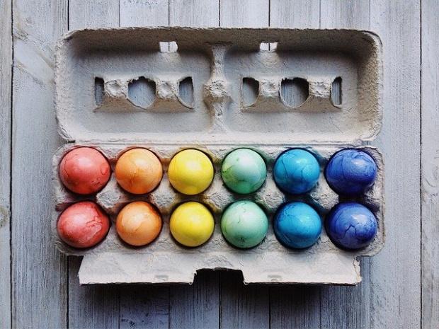 Днес е Велики четвъртък и по традиция се боядискват яйца.