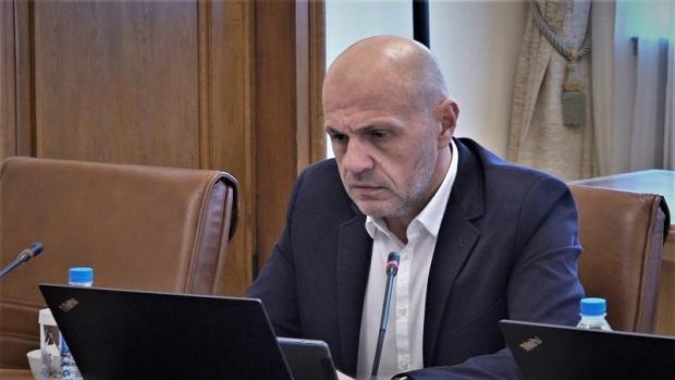 Дончев: В Плана за възстановяване няма асфалт, колеги не са го чели целия