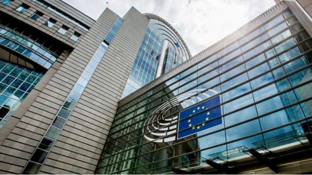 Европейската комисия предлага страните-членки да облекчат ограниченията за маловажните пътувания