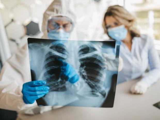 Какво се случва? Само 367 новоустановени с коронавирус, но цели 61 жертви на заразата