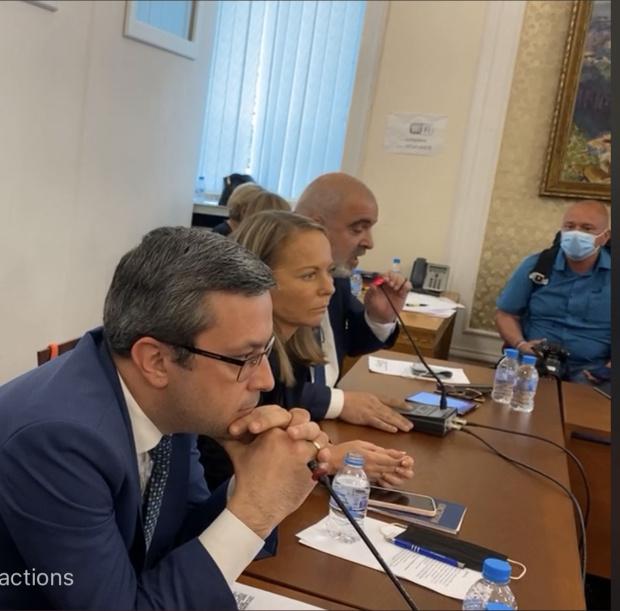 Грозен скандал в комисията: Манолова вика НСО, Илчовски заговори за Мата Хари