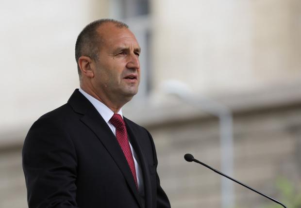 Радев отвърна на Борисов: Вихрещата се корупция ни струва най-скъпо от всичко