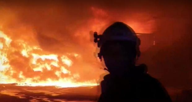 """Тонове отпадъци горяха тази нощ близо до """"Дунав мост"""" в"""