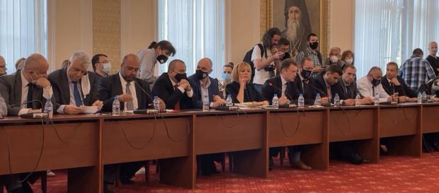 Временната комисия по ревизия на управлението отново се събира