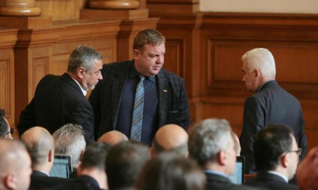 Започват преговори за общо явяване на изборите между ВМРО, НФСБ и КОД