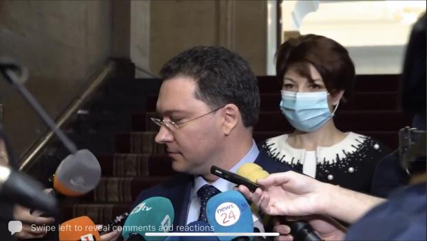 Митов: Това, което стана в парламента бе зоопарк