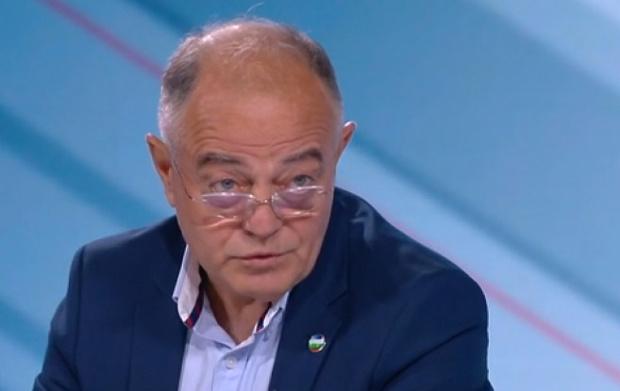 Ген. Атанасов: Служебният кабинет действа мудно, назначаването на човек на Орешарски е странно