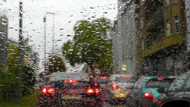 Днес ни очакват валежи с гръмотевици, има условия за градушки.