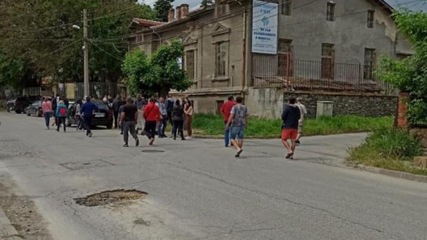 """Жителите на пловдивския квартал """"Коматево"""" се вдигнаха на протест в"""