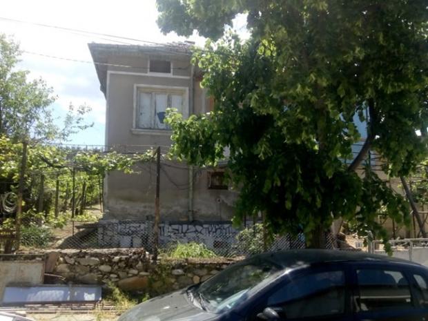 Къщата в Марикостиново, в която Бербатов е прекарвал ваканциите си, се ремонтира основно