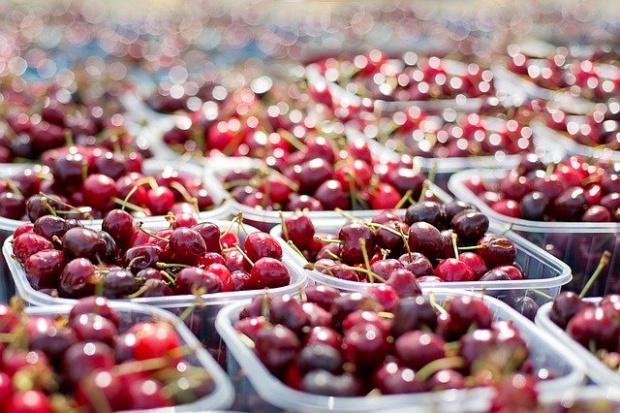 """На старта на летния сезон - """"златни череши"""" заляха пазара"""
