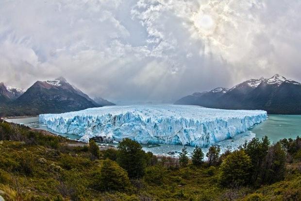 Огромен айсберг се откъсна от ледения шелф на Антарктида и