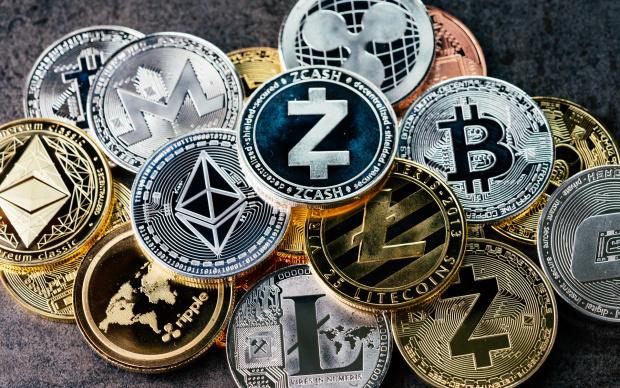 Криптовалутите и други подобни активи са опасни, заяви вчера гуверньорът