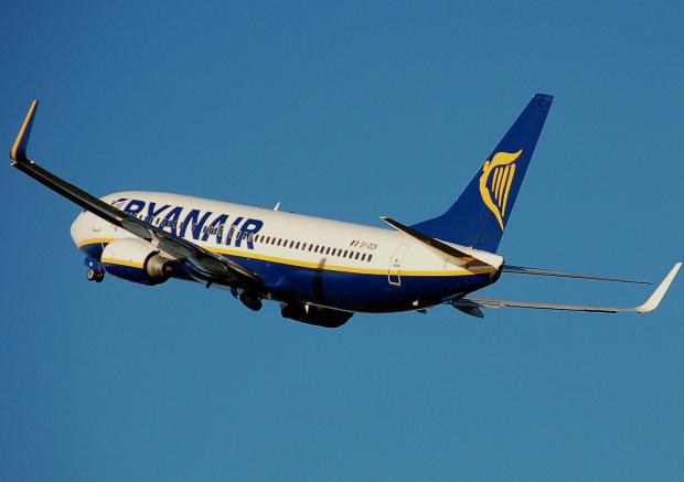 Нискотарифната авиокомпания Ryanair ще поднови на 4 юни полетите си
