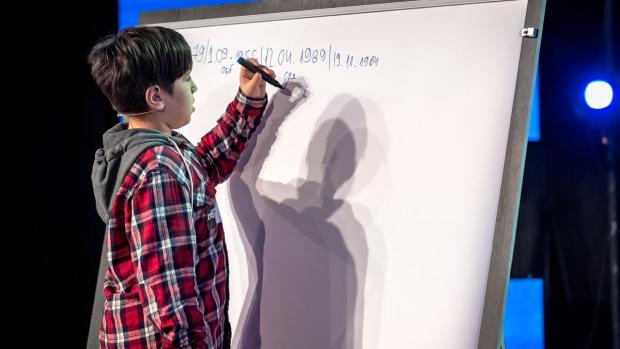 """10-годишният невероятен математик Калоян спечели """"България търси талант"""" и 50 бона"""