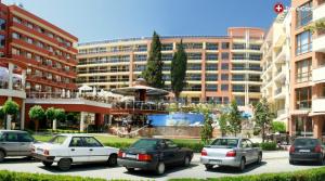 Техник на ЕРП отиде да пусне тока на хотел Виго в Несебър, но беше набит