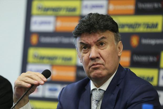 Борислав Михайлов е президентът на Българския футболен съюз. Функциите му