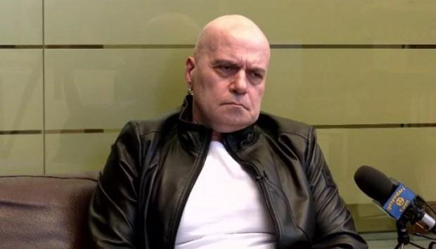 Слави изреди имена на ГЕРБ-ерски защитници и се закани за нощта на изборите