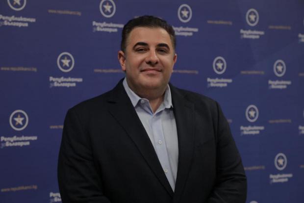 Бизнесменът Павел Вълнев обяви, че напуска Републиканци за България, чийто