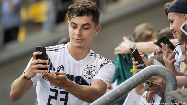Следете под лупа тези петима млади играчи на Евро 2020