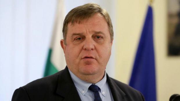Вицепремиерът и министър на отбраната в предходното правителство Красимир Каракачанов